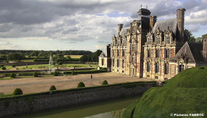 chateau_beaunesnil_vue_aerienne